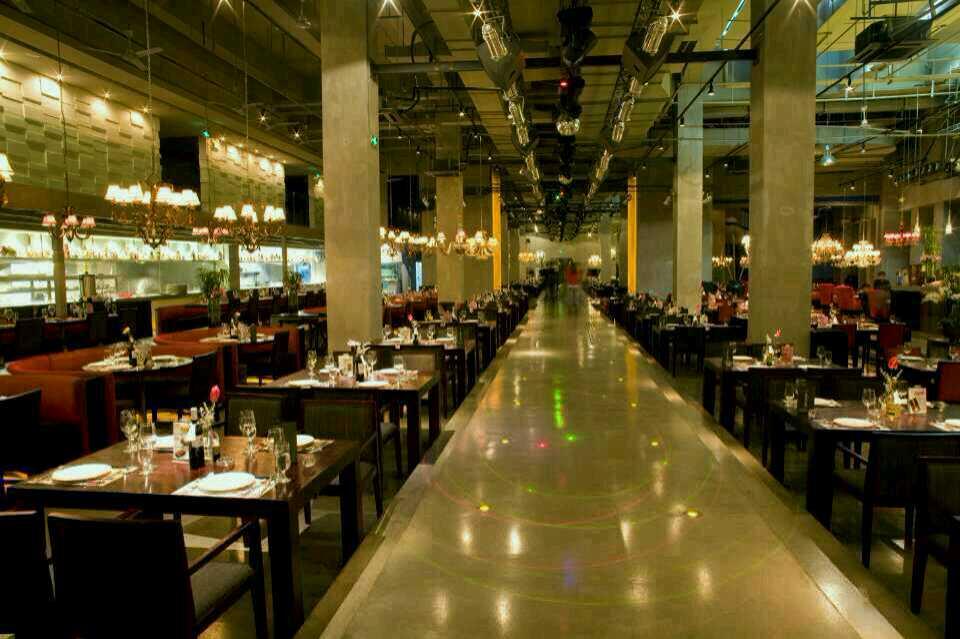 餐饮业  |股份制 |规模 101-300人 厨房制造重庆旗舰店,位于渝中区