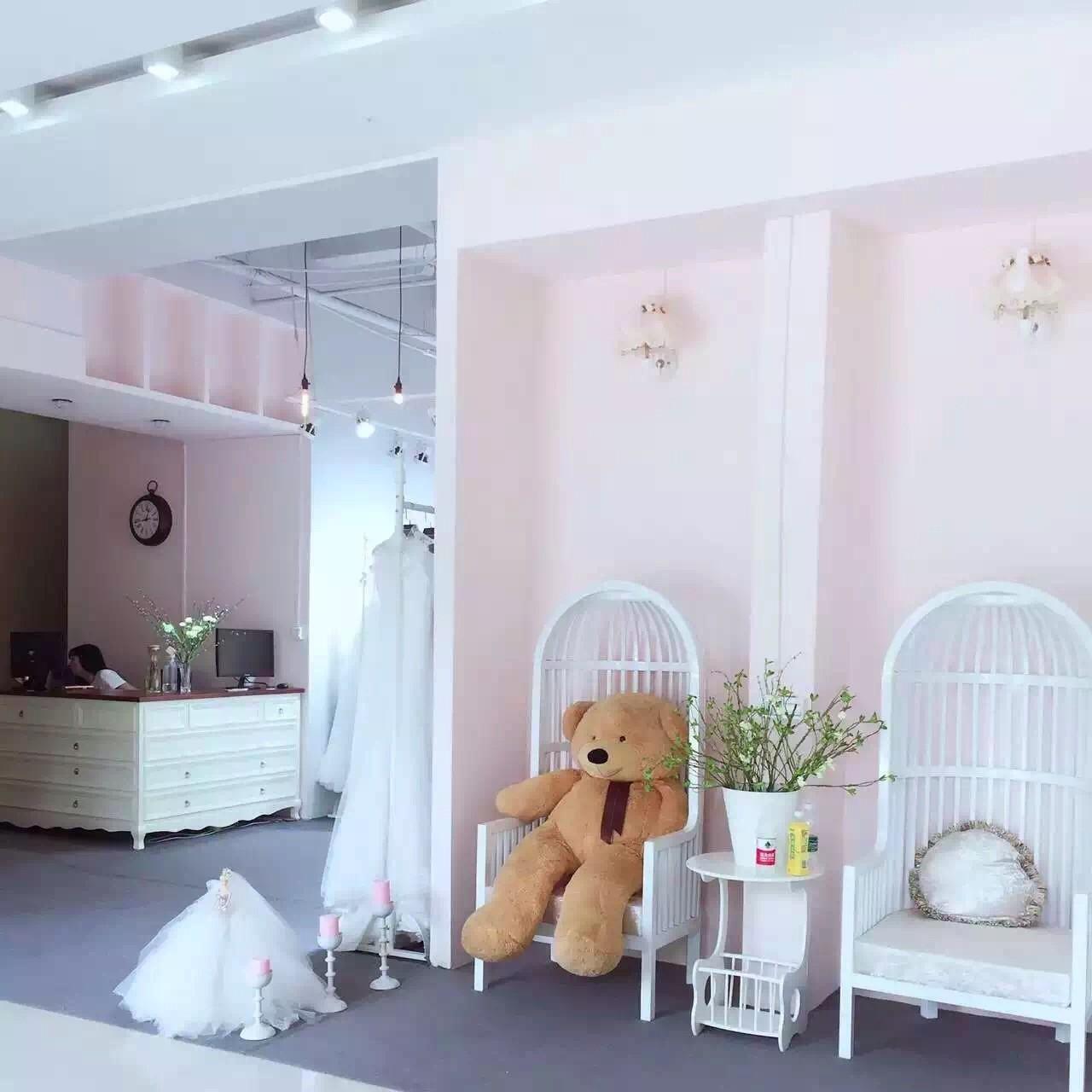 李群婚纱造型馆