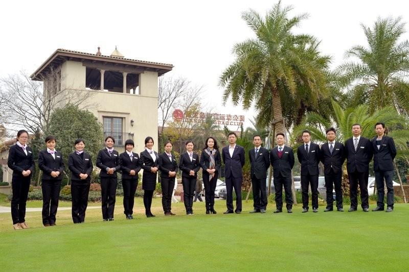 藏龙岛高尔夫俱乐部(武汉藏龙体育产业投资管理有限公司)隶属于武汉