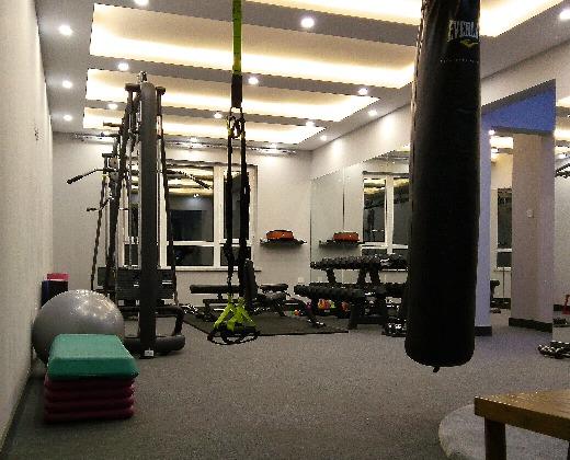 闹钟健身工作室