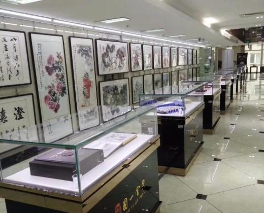 木器雕刻大师,瓷器景泰蓝工艺美术大师,邮票设计大师,钱币和书画鉴定图片